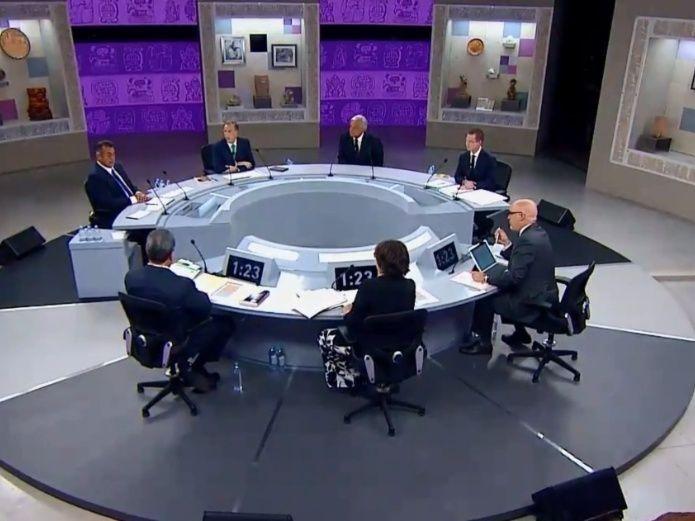 Mesa del tercer debate presidencial